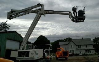 Terex At60 Boom Lift Articulate 4x4 Diesel Manlift photo