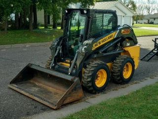 2014 Holland L218 Skidsteer photo