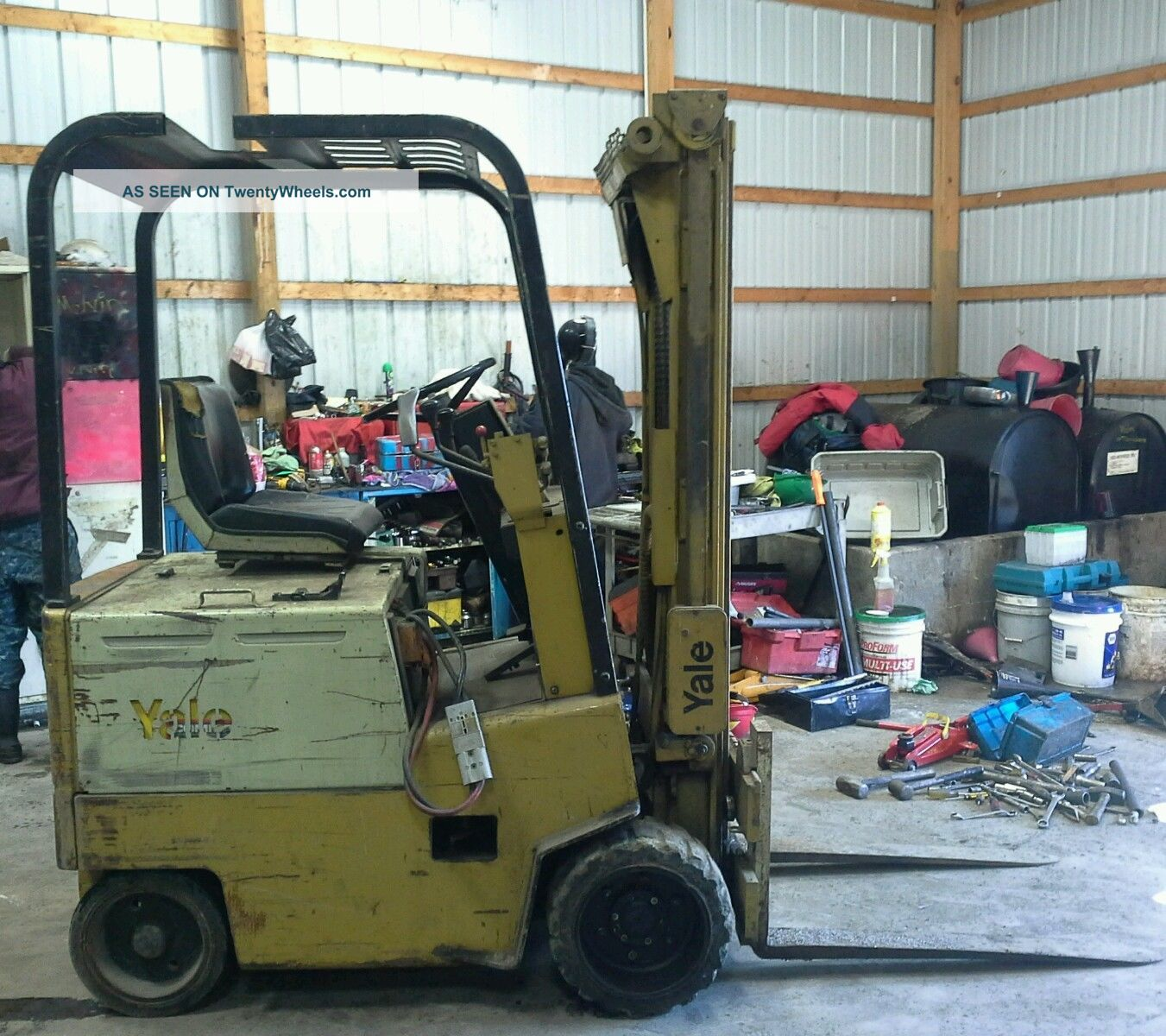Yale 3000 Lb Forklift - Electric
