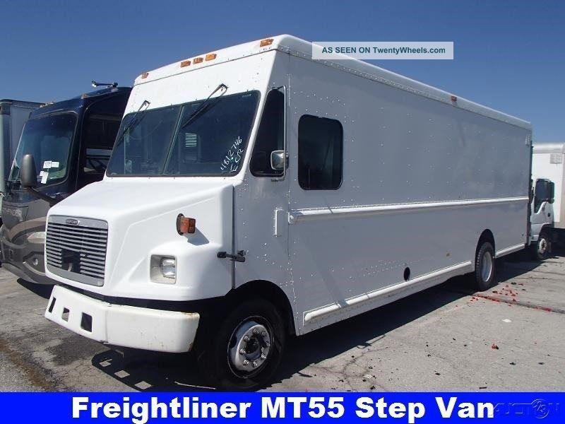 2002 Freightliner Mt55