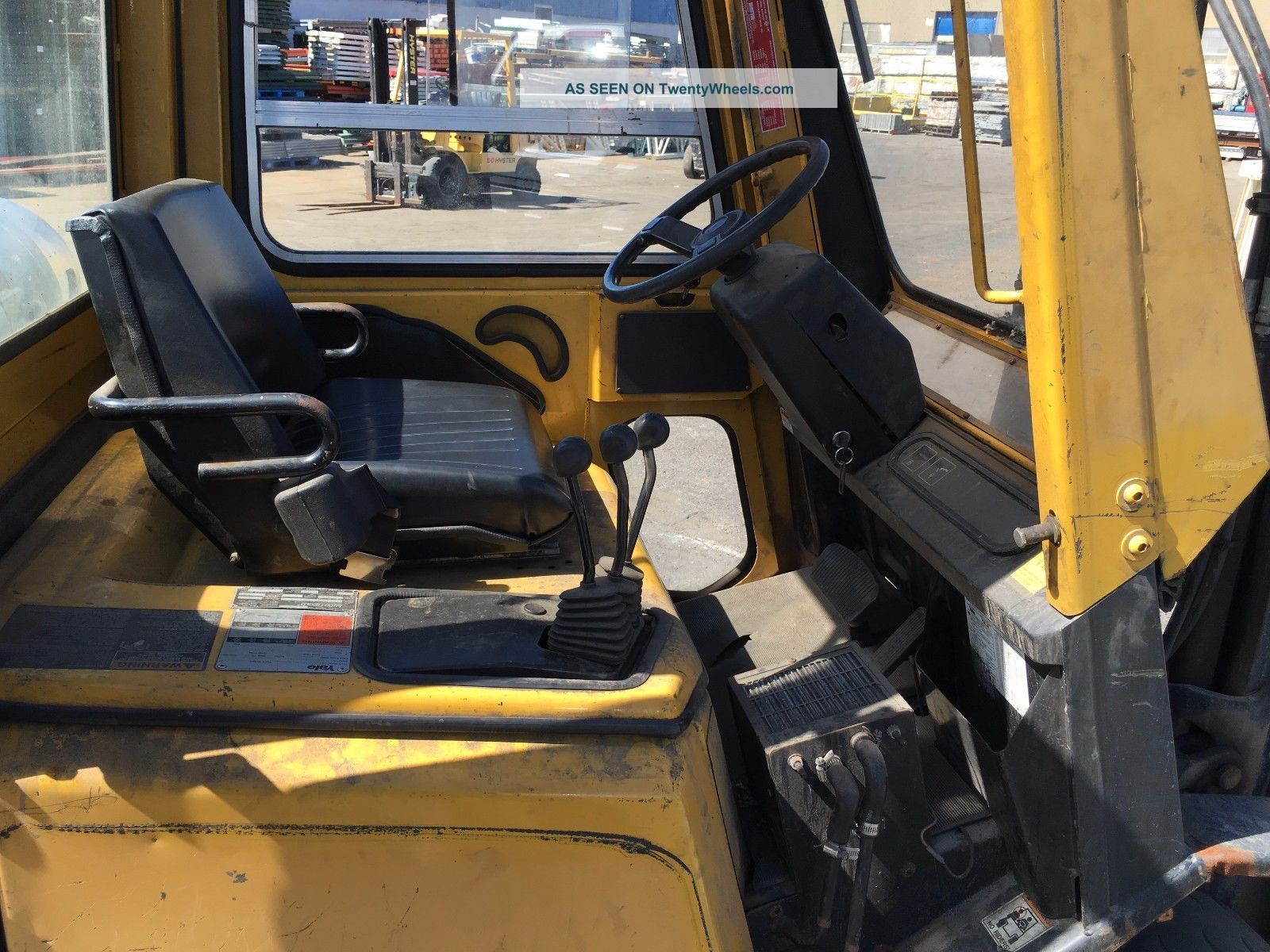 Cap pneumatic tire lp forklift 42 quot forks 10 lift height amp full cab