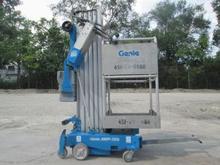 2012 Genie Awp25s Personnel Man Vertical Lift Manlift Boom Aerial Genie Scissor photo