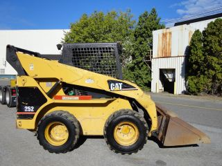 Cat 252 Wheel Skid Steer Loader - Aux Hydraulics - Joystick Controls - Diesel photo