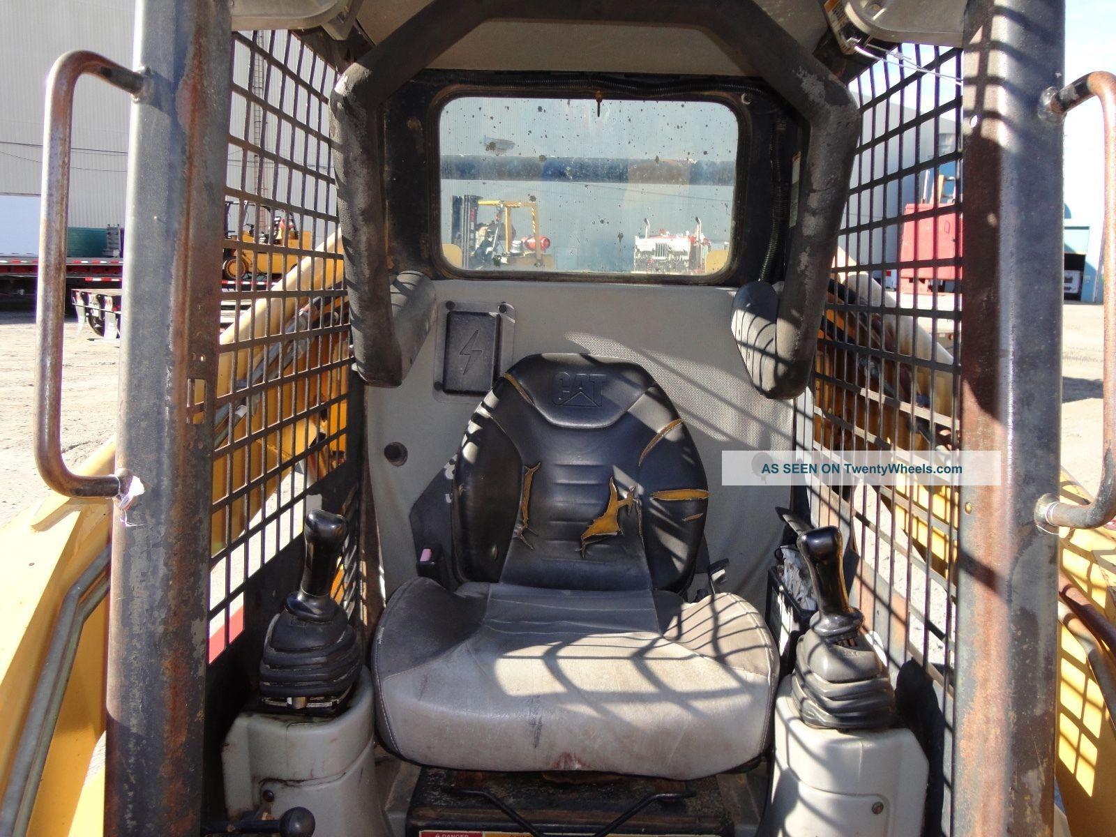 Cat 252 Wheel Skid Steer Loader - Aux Hydraulics - Joystick
