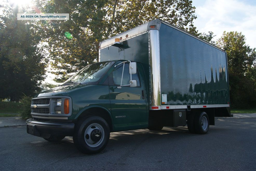 1998 Chevrolet 3500 15ft Box Van
