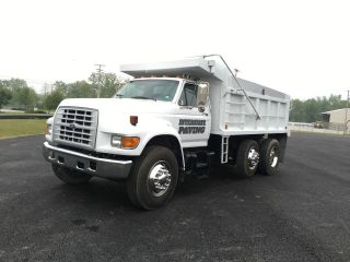 1997 Ford F8000 photo
