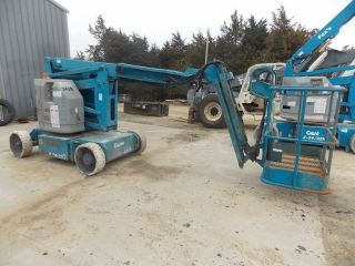2000 Genie Z34/22n,  Electric Articulated Manlift photo