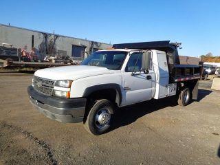 2005 Chevrolet 3500 Dump Truck photo