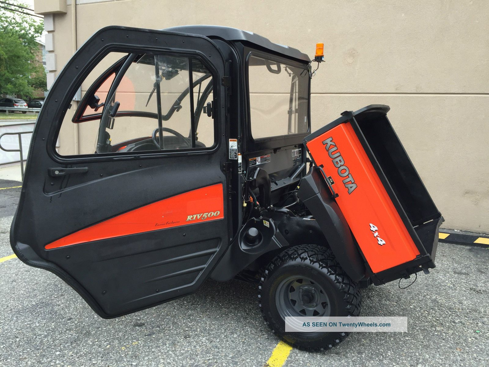 Loaded Fully Inclosed Kubota Rtv500 Heater Winch Plow