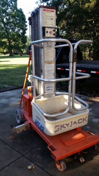 Skyjack Personal Lift 25 ' photo