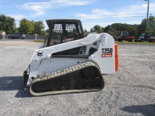2007 Bobcat T250 Tracked Skid Steer Loader photo