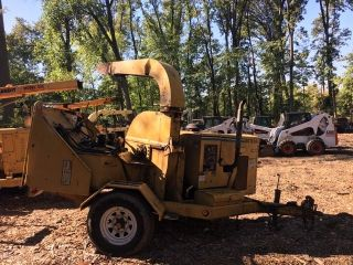 2004 Vermeer Bc1230a Chipper photo