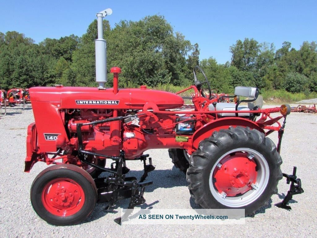 Farmall 140 Tractor : International farmall tractor w cultivators point
