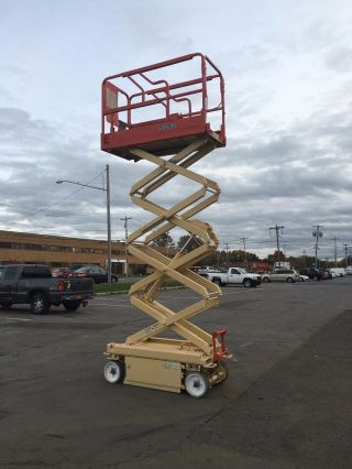 Jlg 1932 Scissorlift 19 ' Deck Hgt,  25 ' Work Hgt,  Fully Operational Hd photo