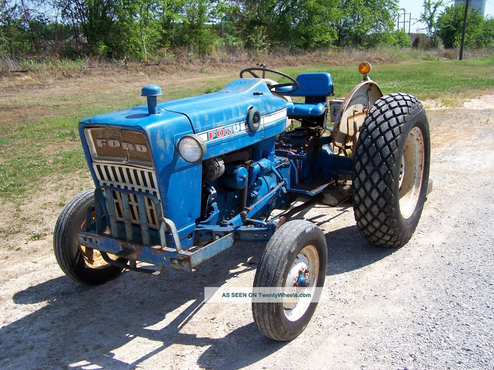 1969 ford 2000 tractor with nortrac 6 ft finish mower. Black Bedroom Furniture Sets. Home Design Ideas