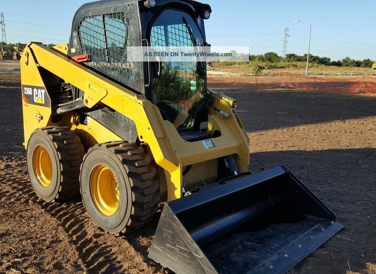 Ford 6n Tractor : Caterpillar d skid steer speed erops loaded