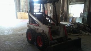 Bobcat Skid Steer M610 photo