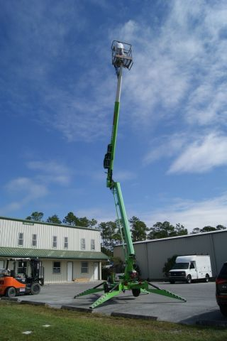 2012 Niftylift Tm50 Bi - Energy Towable Articulating Boom Lift; photo
