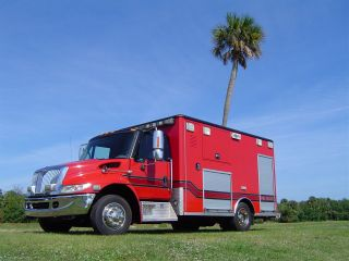 2006 International Dt 466 Utility photo