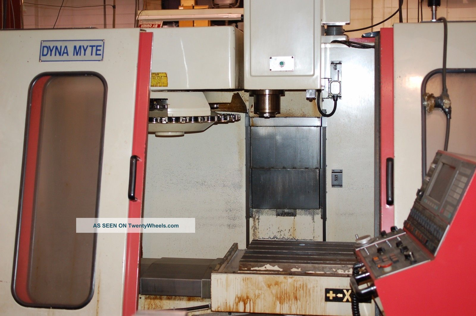 Dyna Myte 4800 Cnc Vertical Machining Center - 1995 Milling Machines photo