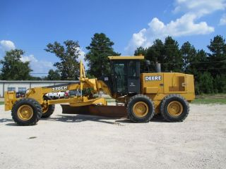 2003 John Deere 770ch Motor Grader,  Road Maintainer Engine photo