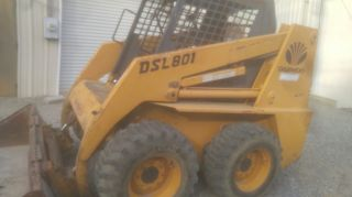 Daewoo Skid Steer Skid Steer Loader photo