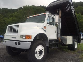 1999 International 4800 All Wheel Drive photo