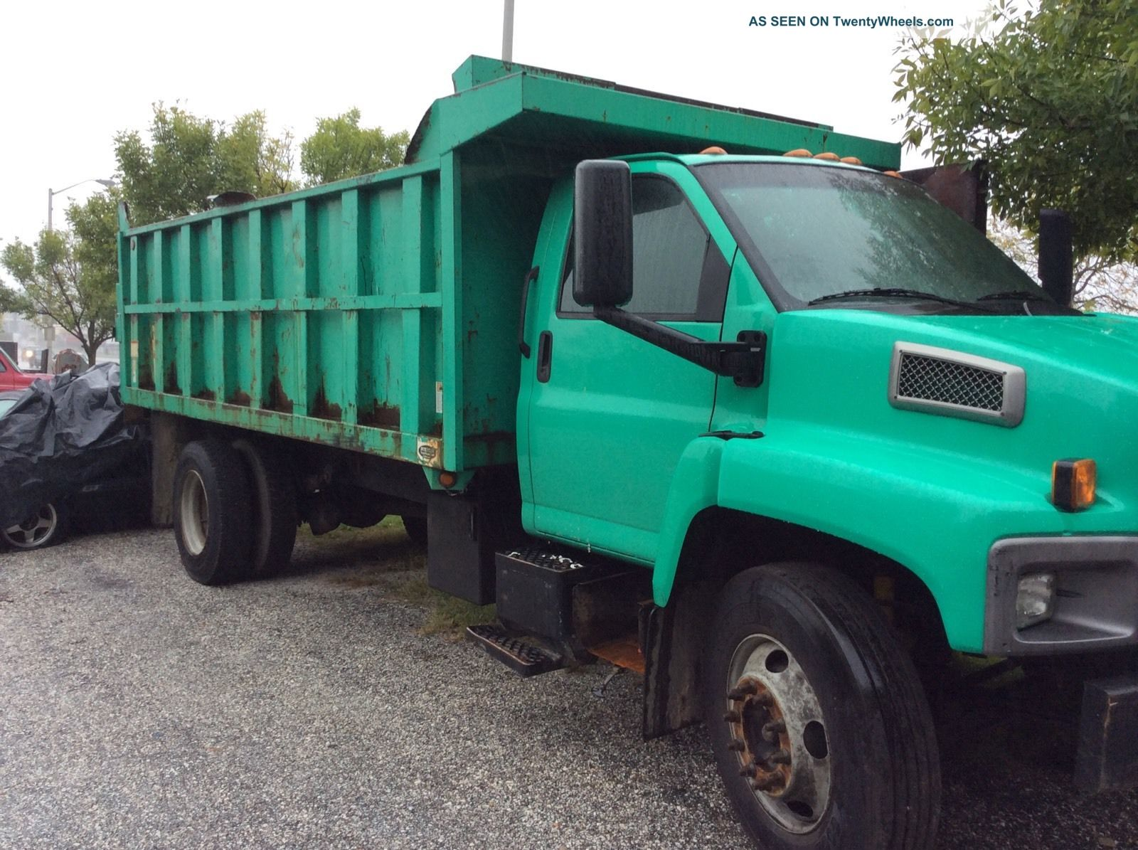 2004 Chevrolet C7500 Long Bed Dump Truck With Lift Gate And