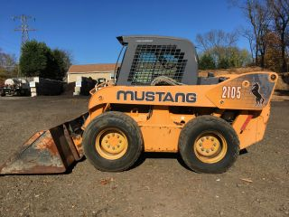 2003 Mustang 2105 Skid Steer photo