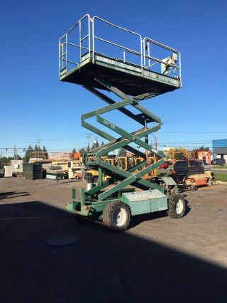 2001 Condor 2570 4wd Scissor Lift 25 ' Deck Hgt,  31 ' Work Hgt,  1400 Hours photo