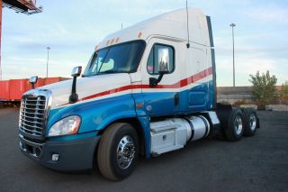 2011 Freightliner Cascadia photo
