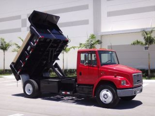 2002 Freightliner Fl70 10ft Dump Truck photo