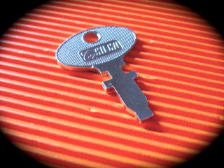 Tractor Precut Keyswitch Key Fiat - Bosch - Lucas - Postage photo