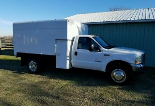 2004 Ford F550 photo