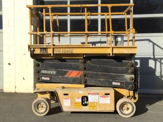 Grove Electric Scissor Lift Sm3146e Boom Jlg Genie Skyjack photo