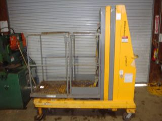 Bil - Jax Workforce Xlt1571 15 ' Electric Personnel Lift photo