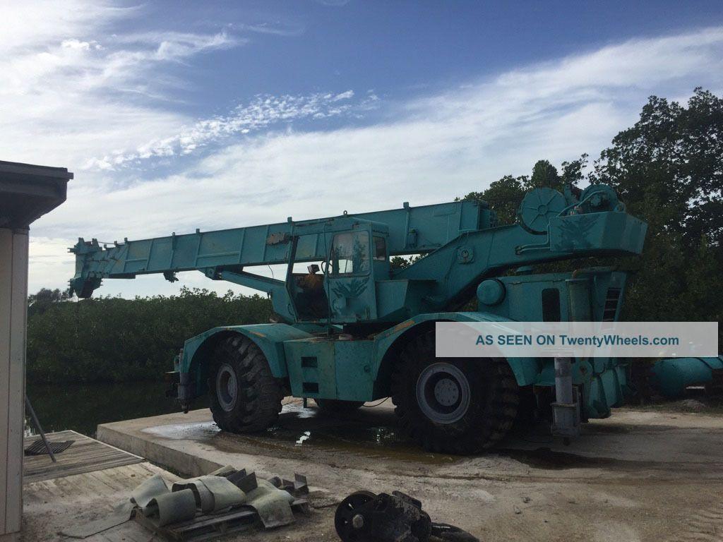 Grove rt65s 35 ton grove rt65s grove rough terrain crane for Crane grove