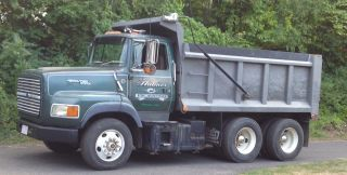 1993 Ford Dumptruck photo
