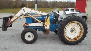 Ford 4600 Tractor W/loader photo