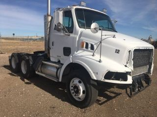1999 Sterling L9500 photo