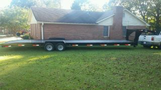 Gooseneck Flatbed Trailer photo