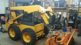 Mustang Skid Steer 2006 photo