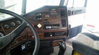 1999 Freightliner Fld 120 photo
