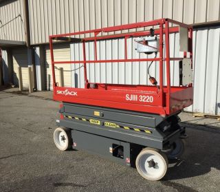 Skyjack Sj3220 Scissor Lift 2006 photo