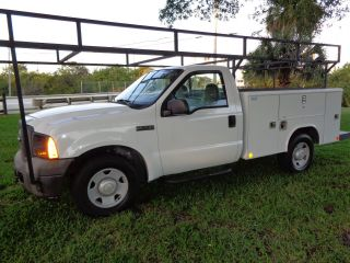 2005 Ford 2500 photo