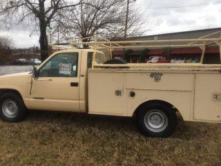 1990 Chevrolet 2500 Utility Truck photo