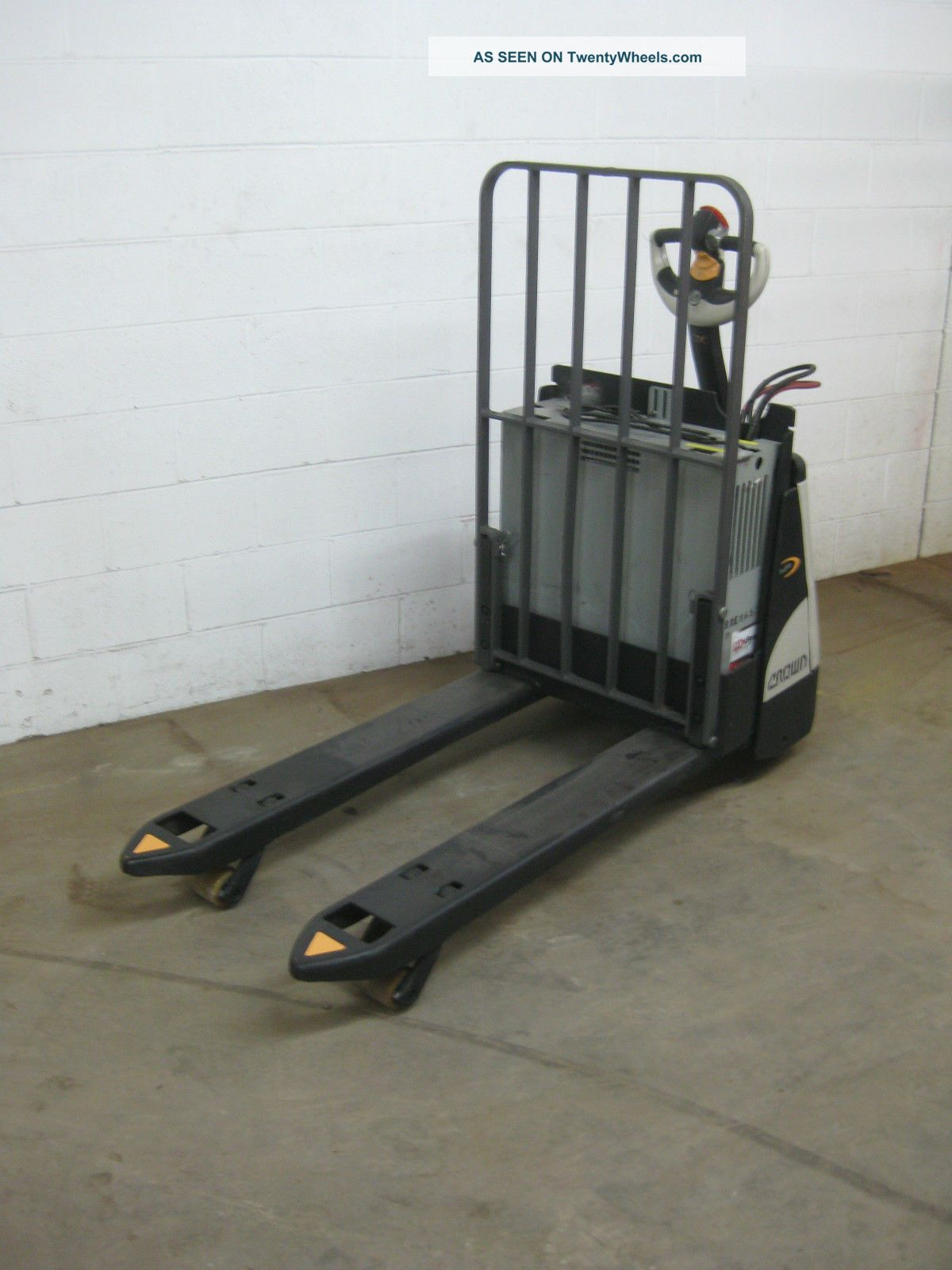 Crown Electric Pallet Jack - Wp2345 - 45 -