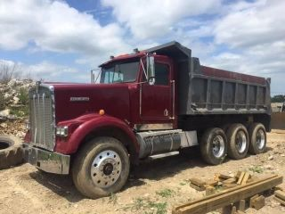 1993 Kenworth W900b photo