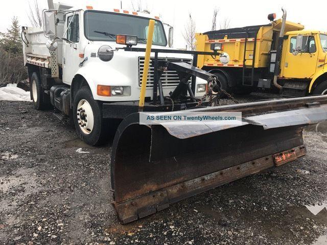2001 International 4900 Dump Trucks photo