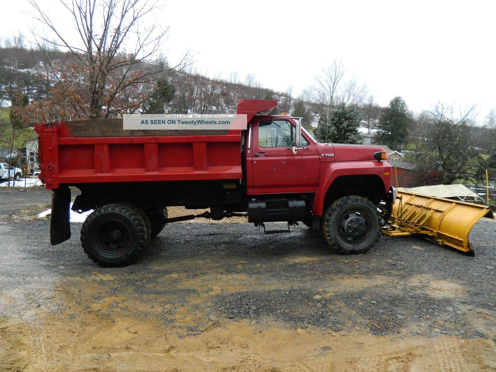 1989 Ford F700 Dump Trucks photo
